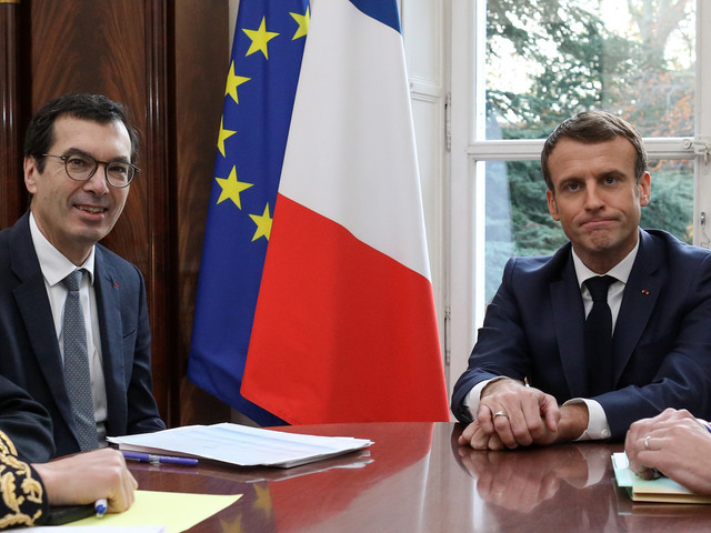"""Retraites: Macron veut """"conduire à bien"""" la réforme par la """"concertation"""""""