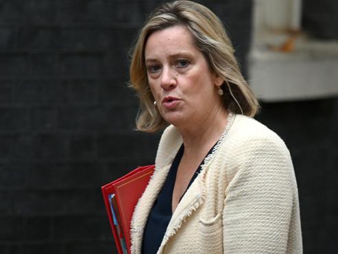 Brexit: la ministre du travail claque la porte, nouveau coup dur pour Boris Johnson