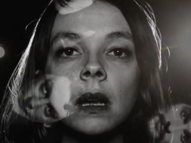 Laissez-vous hypnotiser par le nouveau clip psyché de Laure Briard