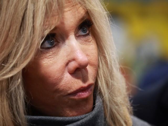 """Brigitte Macron donne sa version sur l'origine du """"je traverse la rue"""""""