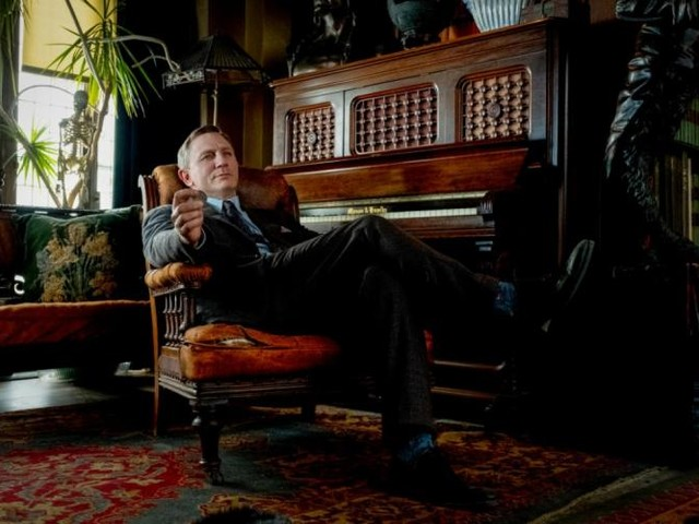 """""""À couteaux tirés"""": un Daniel Craig entre Hercule Poirot et Columbo (vidéo)"""