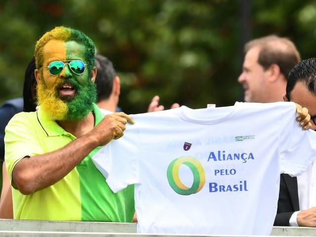 Dieu, famille, patrie: Bolsonaro lance un nouveau parti au Brésil