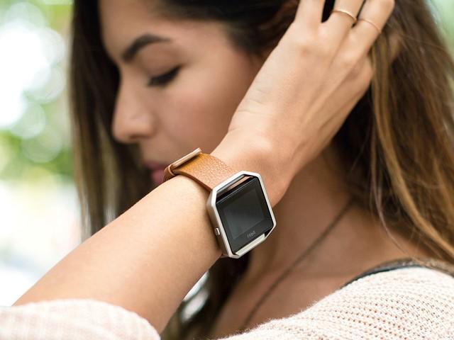 La smartwatch de Fitbit arrivera à temps pour être au pied du sapin de Noël