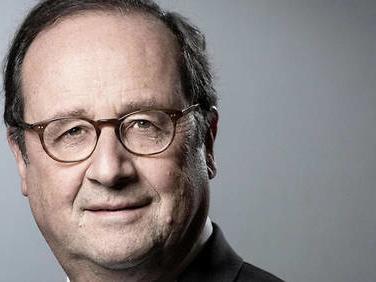 """""""Une école de référence"""": François Hollande prend la défense de l'ENA"""