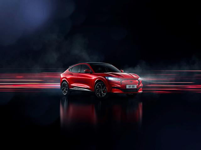 Ford officialise la Mustang Mach-E, un SUV électrique qui risque de faire tourner quelques têtes