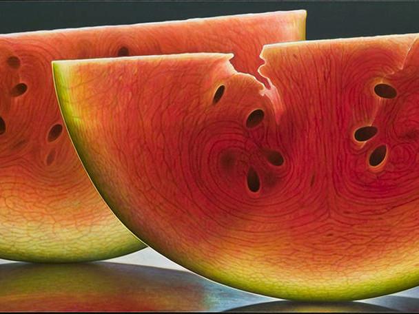 Hyperrealistic Portraits of Sliced Fruits