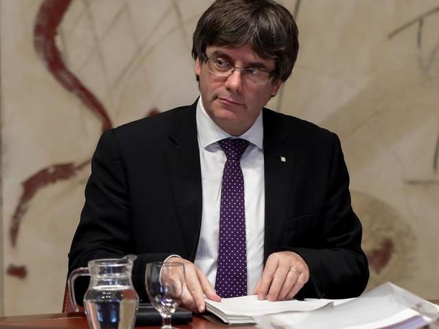 Catalogne: Carles Puigdemont va-t-il signer et persister?