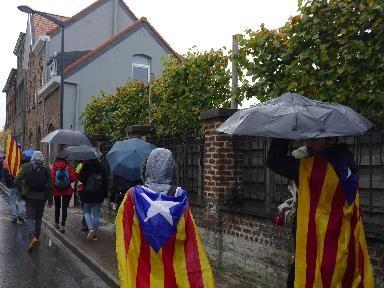 Plus de 120 Catalans en marche vers Bruxelles pour la liberté des indépendantistes