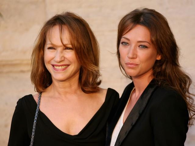 Laura Smet fière : sa mère Nathalie Baye a reçu une immense distinction