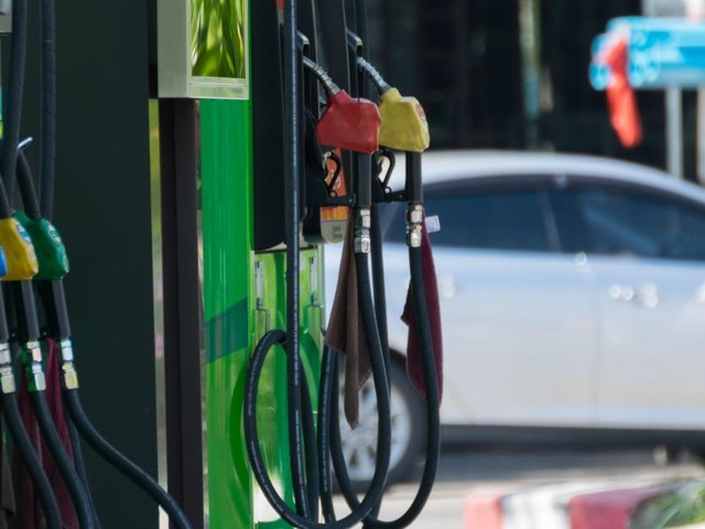 Attendez demain pour faire le plein : l'essence sera moins chère à partir de ce mardi