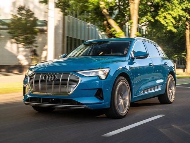 Audi e-tron : le SUV électrique gagne 25 km d'autonomie et une finition S Line