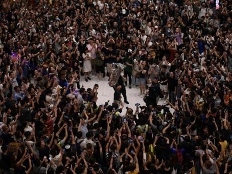 """""""Gloire à Hong Kong"""": les manifestants ont désormais leur hymne"""