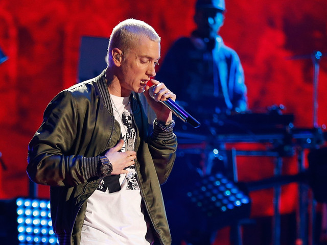 "Eminem sort un nouvel album surprise, ""Music to Be Murdered by"""