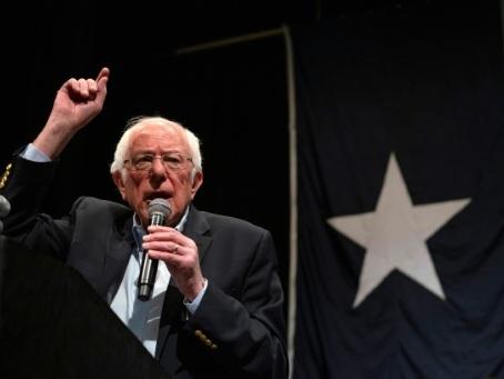 Primaires démocrates: Sanders en pole position, Biden sous pression