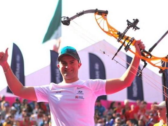 Tir à l'arc - ChM - Arc à poulies - Arc à poulies : Sébastien Peineau premier champion du monde de l'histoire