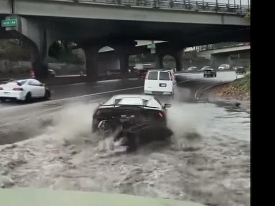 VIDEO - Voilà pourquoi il ne faut pas mettre sa Lamborghini dans l'eau