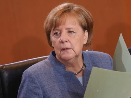 """Allemagne: les sociaux-démocrates prêts à """"discuter"""" pour sortir de la crise"""