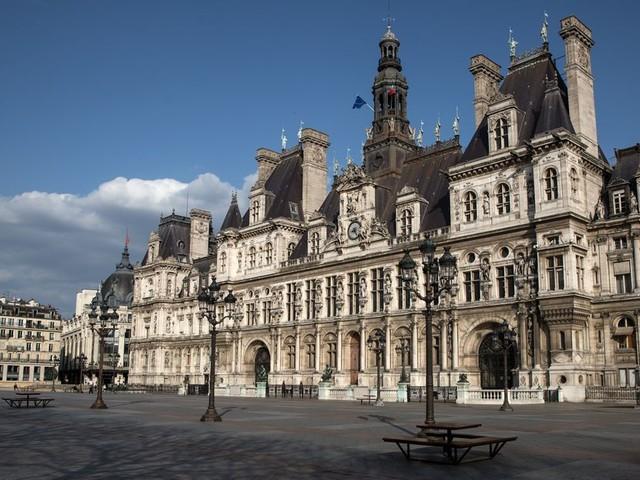 """La Ville de Paris prête à expérimenter des """"certificats d'immunité"""" pour le déconfinement"""