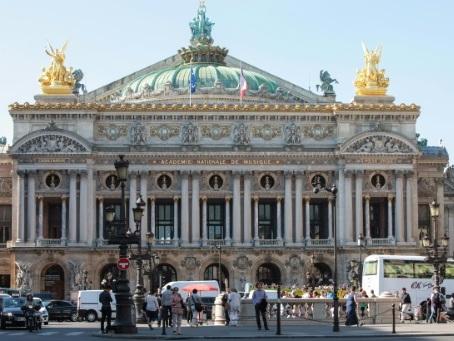 """""""Gilets jaunes"""": le Louvre et de nombreux musées parisiens fermés samedi"""