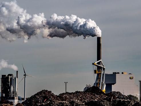 """""""Il est temps d'ouvrir les yeux"""": loin des objectifs climat, les émissions de CO2 ont connu une hausse inédite en 2018"""
