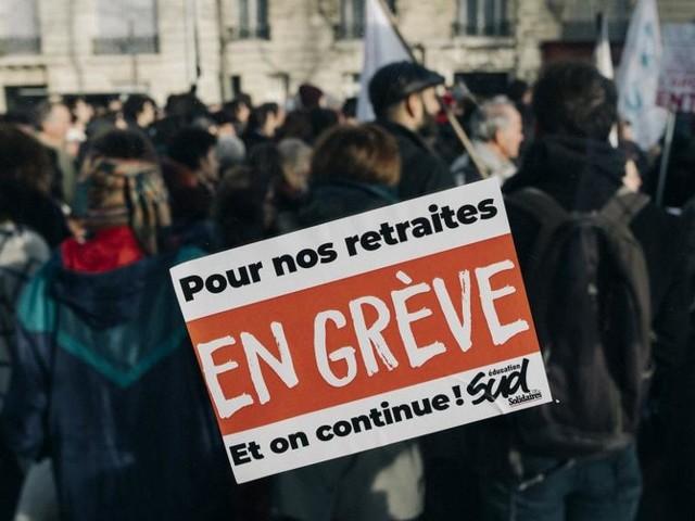 DIRECT. Grève du 12 décembre : suivez la journée de mobilisation à la RATP et à la SNCF en temps réel et les perturbations dans les écoles et les crèches