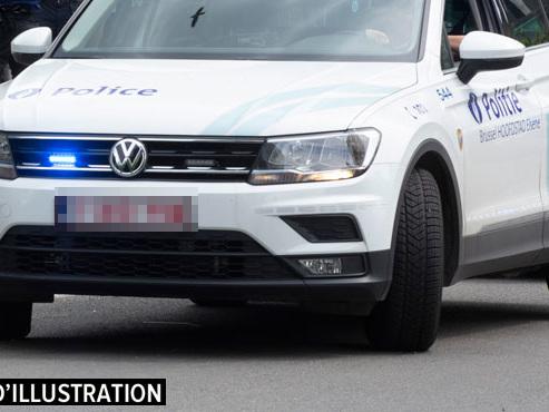 Course-poursuite à Court-Saint-Etenne: 2 jeunes d'une vingtaine d'années arrêtés, le combi de police endommagé