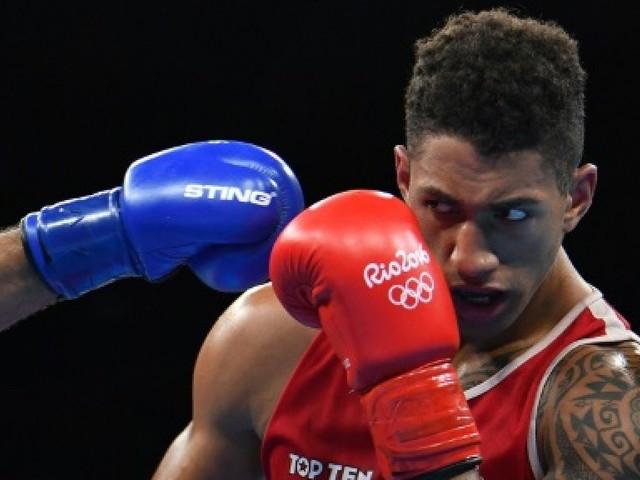 """Yoka: """"Devenir le premier champion du monde français des poids lourds"""""""
