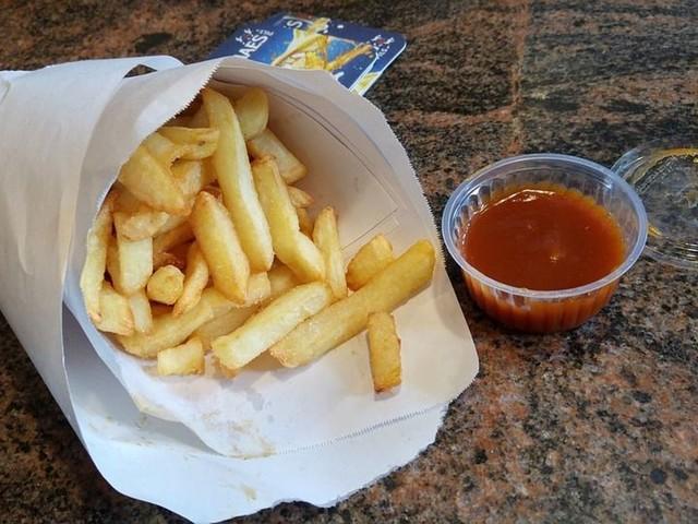 """Une pétition pour renommer les """"French"""" en """"Belgian fries"""": les premières frites sont pourtant bien françaises"""