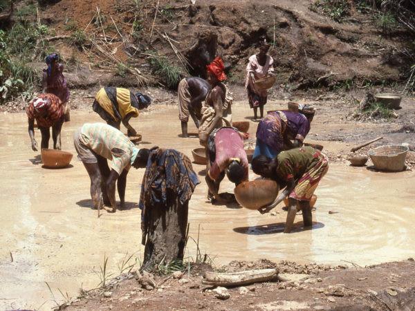 Sociétés d'exploitation minière: Quel impact sur le développement local?