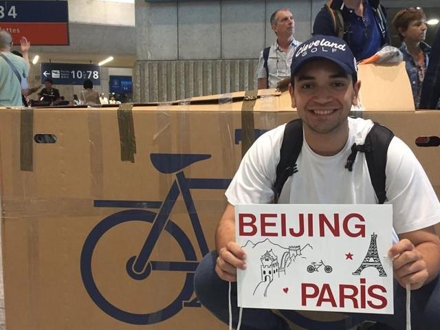 De Pékin à Paris à vélo, le défi fou d'un jeune étudiant franco-marocain