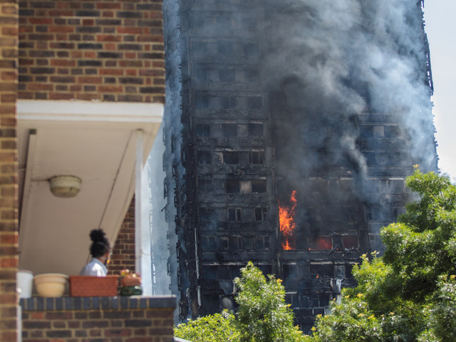 Incendie à Londres: cette femme raconte comment un bébé a été sauvé «miraculeusement» de la tour Grenfell (VIDÉO)