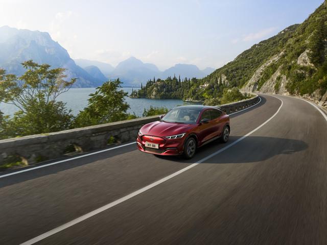 SUV électrique : l'exceptionnel cru 2019 pose la première brique d'un marché qui roule sur l'or