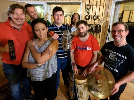 Alsace: le groupe Cachou-Cachou fait fi du handicap mental et enregistre son 1er album