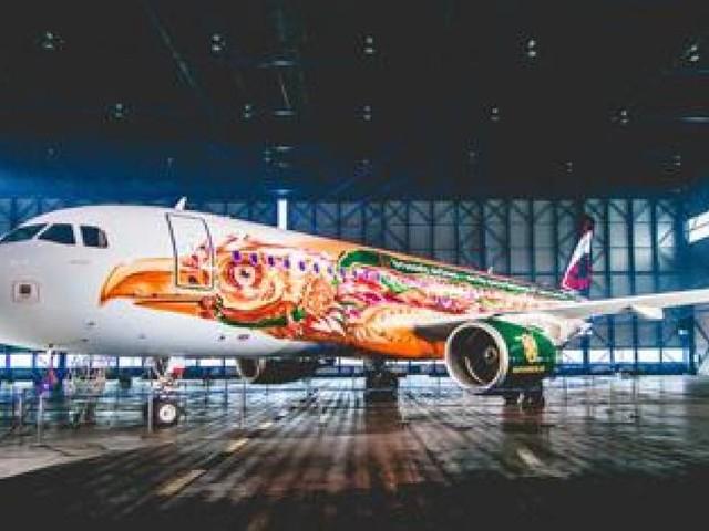 Les festivaliers de Tomorrowland débarquent en Belgique à bord de l'avion thématique Amare