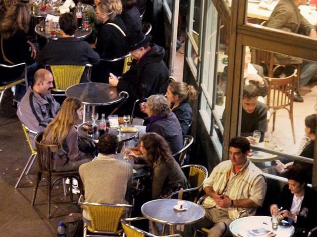 Faut-il fermer les bars plus tôt à Toulouse ?