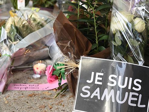 Contre l'horreur, la France se mobilise: des manifestations attendues dans tout le pays après l'assassinat d'un professeur