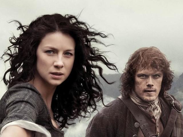 Outlander : Claire (Caitriona Balfe) et Jamie (Sam Heughan), découvrez leur toute première rencontre en vidéo !
