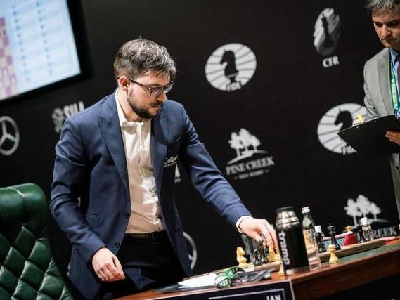 Echecs - Échecs: La FIDE suspend le Tournoi des Candidats