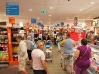 L'alimentation belge plus chère en raison des taxes et des coûts salariaux, selon Fevia