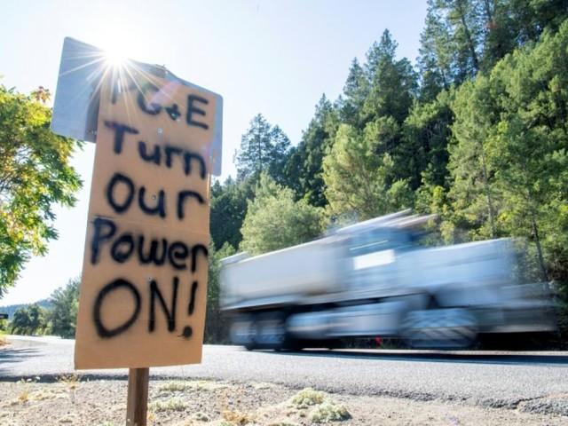 Un fournisseur d'électricité californien va enterrer ses câbles pour éviter les incendies