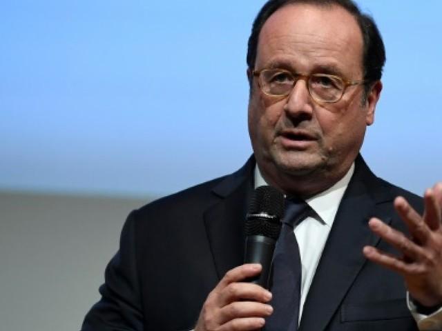 """Hollande voit deux sujets de négociation à la SNCF: la dette et une """"convention collective"""""""