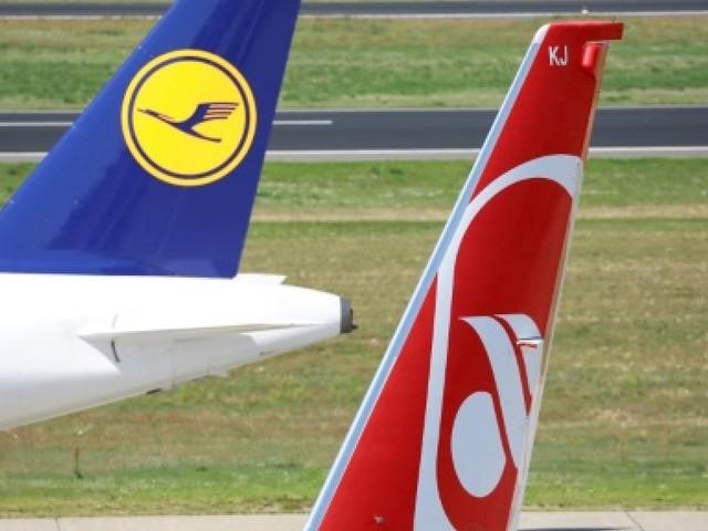 Avec Air Berlin, Lufthansa grossit encore dans le ciel allemand