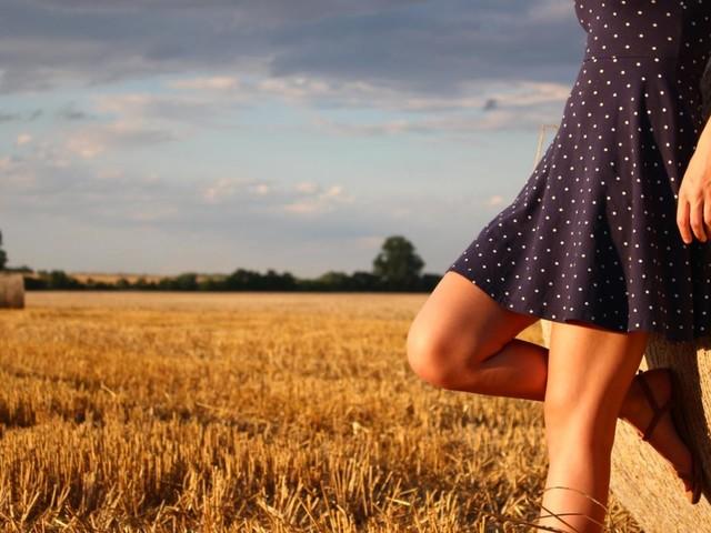 Côte d'Azur : une boîte de nuit offre l'entrée et les consos en fonction de la taille des jupes des filles