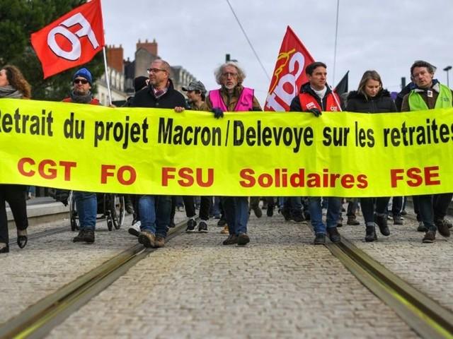 Réforme des retraites en France: compromis en vue mais pas d'arrêt immédiat de la grève