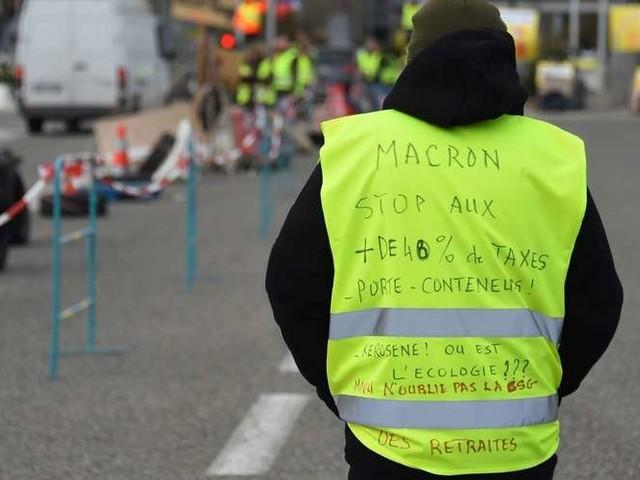 """Gilets jaunes : """"Un face à face entre le président-PDG et le citoyen-client"""""""