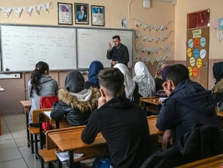 Turquie: retour en classe pour des réfugiés formés à rude école