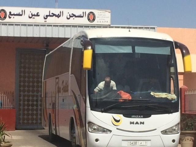 Hirak: À Oukacha, des dizaines de familles rendent visite aux détenus