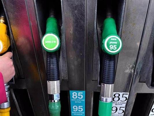 Pénurie d'essence : toutes les applications pour trouver des stations ouvertes et faire le plein