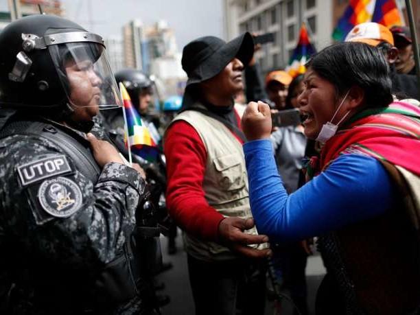 Bolivie: Evo Morales au Mexique, désignation d'un président par intérim