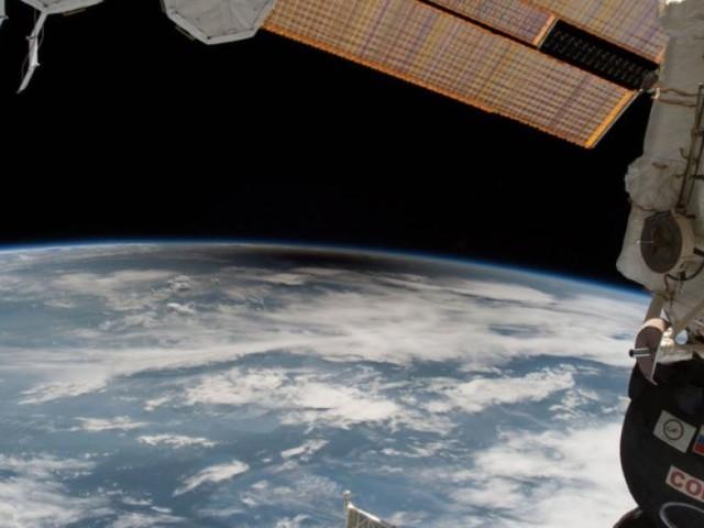 Station spatiale internationale: des millions de personnes ont vu l'éclipse, mais seulement 6 ont vu son ombre